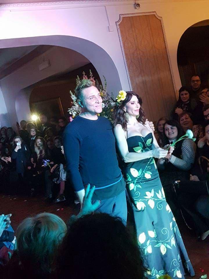 """18dc66a855 Grande successo per la collezione """"Flowers"""" dello stilista Mimmo Tuccillo.  – Gglam.it"""
